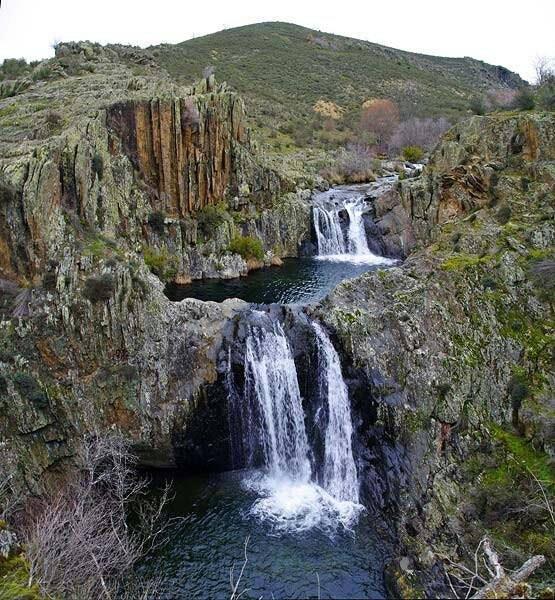 pozas barranco del aljibe, matallana, sierra norte de Guadalajara, salto de agua en Matallana